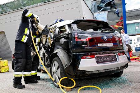 ADAC Test Unfall BMW i3 Carbon-Karosserie