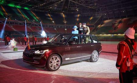 Land Rover Hybrid Queen