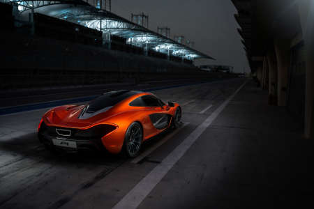 McLaren P1 Bahrain International Circuit