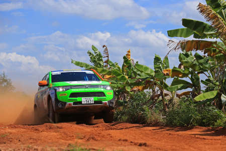 Mitsubishi Outlander PHEV Asia Cross Country Rallye 2014
