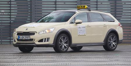 Peugeot 508 RXH Taxi