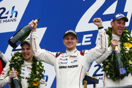 Porsche #19 Nico Hülkenberg, Nick Tandy, Earl Bamber und Prosche #17 Mark Webber, Timo Bernhard, Brendon Hartley Le Mans 2015