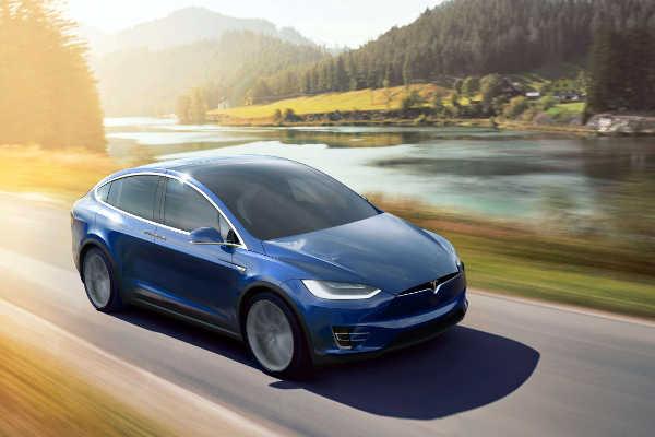 Tesla Model X 2015 Serie