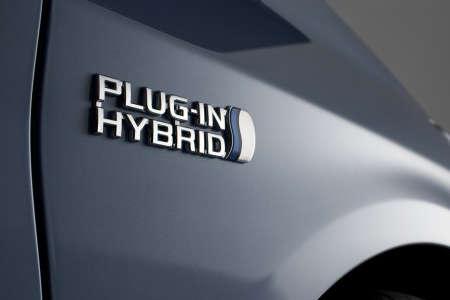 Toyota Prius PVH Plug-in-Hybrid